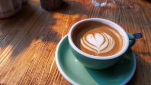 kaffeepadmaschine milchschaum herz